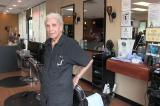 Ông lão cắt tóc cao tuổi nhất thế giới: 107 tuổi và vẫn làm việc