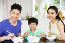 Chuẩn bị bữa ăn hợp lý sẽ giúp con năng động cả ngày ở trường