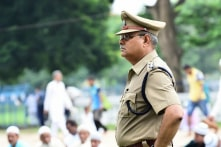 Cảnh sát Ấn Độ dạy học cho trẻ em nghèo mỗi ngày trước khi đi làm