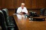 Tổng thống Trump 70 tuổi miệt mài làm việc là vì ai?