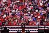 Rất nhiều cử tri không thuộc Đảng Cộng hòa dự các buổi tập trung của TT Trump