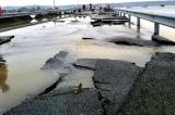 Thừa Thiên Huế: Bê tông nhựa tại quốc lộ 49B vỡ nát, đứt gãy chồng chất