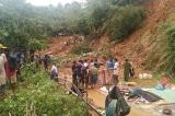 Một đoàn cứu hộ bị lũ cuốn ở Quảng Trị, 1 người chết, 4 người mất tích