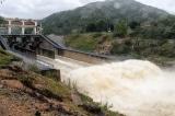 Hoàn lưu bão số 12 gây mưa lớn, nước dâng nhanh, nhiều hồ tăng mức xả lũ