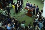 Hồng Kông: Toàn bộ nghị sĩ đối lập đồng loạt từ chức sau quyết định của Bắc Kinh